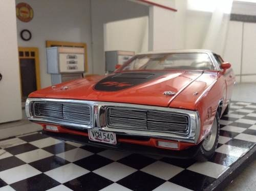 Dodge Charger R/t 1971 Ertl Authentics 1/18 - comprar online