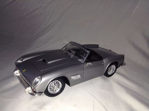 Ferrari 250 Gt California 1/16