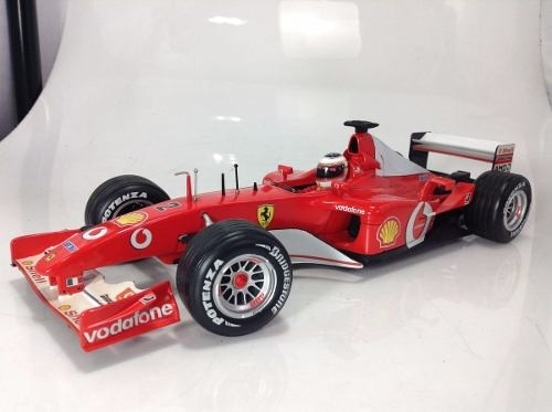 Ferrari F2002 Schumacher Hot Wheels 1/18