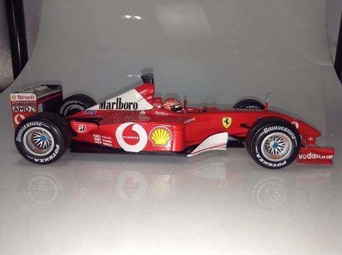 Ferrari F2001 Schumacher Hot Wheels 1/18 - loja online