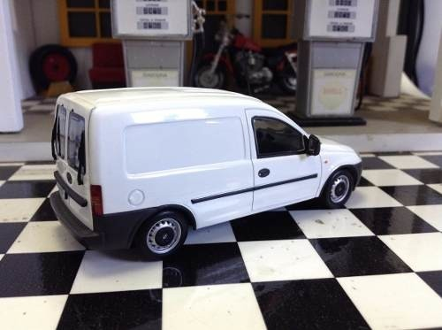 Opel Combo 2002 Minichamps 1/43 - B Collection