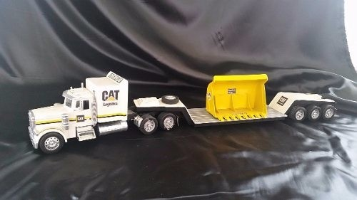 Peterbilt 379 Caterpilar New Ray 1/32