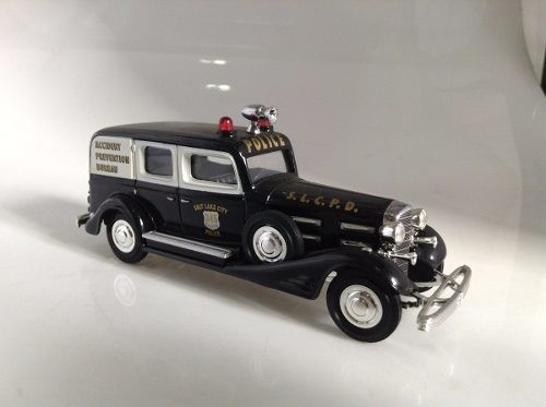 Cadillac V16 1933 Police Matchbox Collectibles 1/43