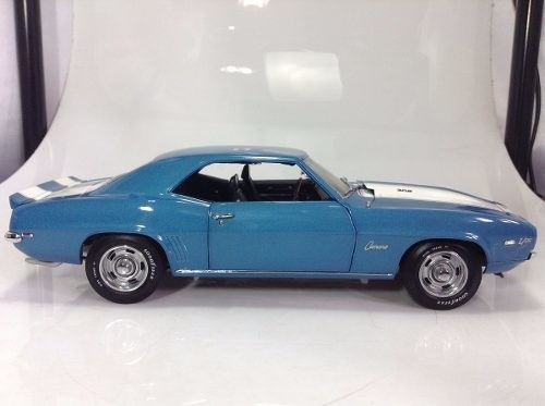Camaro Z/28 1969 Revell 1/20 - B Collection