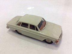 Volvo Grand Luxe 144 - Brooklin Models 1/43 - loja online
