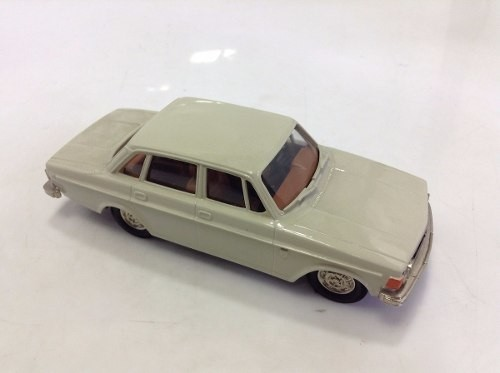 Volvo Grand Luxe 144 Brooklin Models 1/43 - loja online