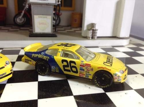 Lote Nascar Cheerios Hot Wheels 1/64 na internet