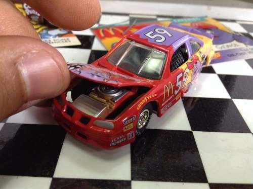 Imagem do 2 Miniaturas Nascar Johnny Lightning 1/64