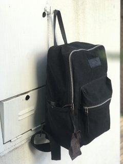Mochila Iron Black Canvas - comprar online