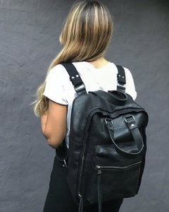 Iron Leather Backpack / Mochila Iron de Cuero - comprar online