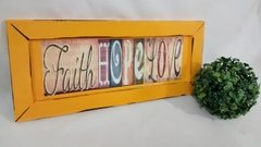 Quadro Decorativo Amarelo Faith Hope Love na internet
