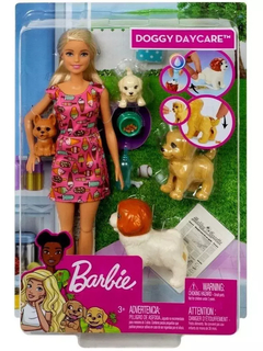 BARBIE FAMILY TREINADORA DE CAHORRINHO - DOGGY DAY CARE S - MATTEL