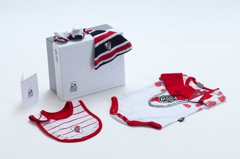 Regalo de River Babero Body Escarpines Gorrito