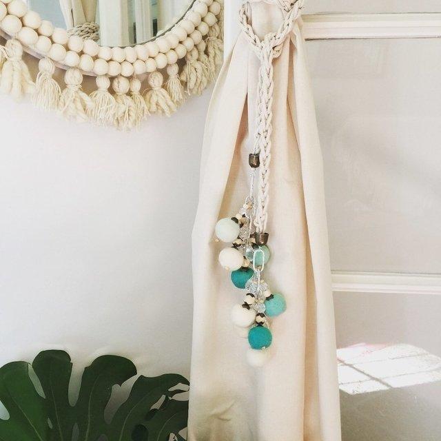 Sujeta cortinas soga de algod n o yute con pompones - Accesorios para cortinas ...