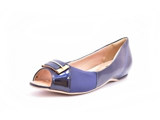 477bcf0397 Sapato Feminino Tamanho Grande Peep Toe Comfortflex Ramarim Azul Marinho e  Avelã Numeração Especial 40