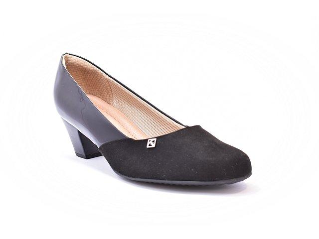 aed6464a06 Sapato Feminino Tamanhos Grandes Scarpin Piccadilly Mauve e Preto Numeração  Especial 40 e 41