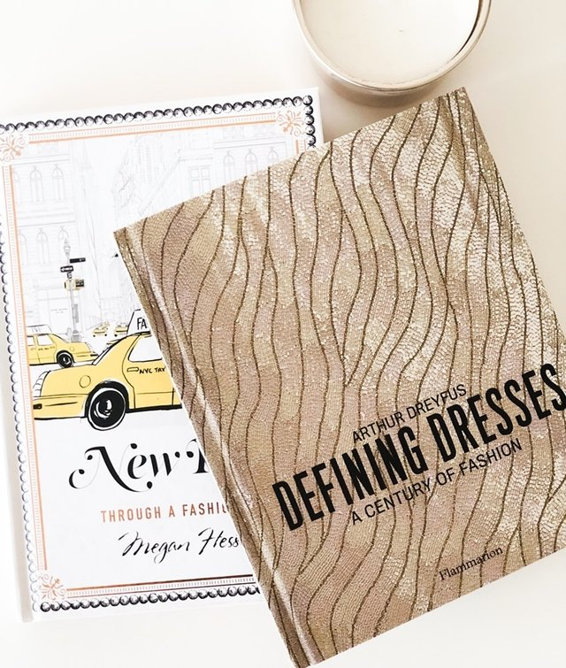 Defining Dresses: A Century of Fashion - Rizzoli - Le Book Marque