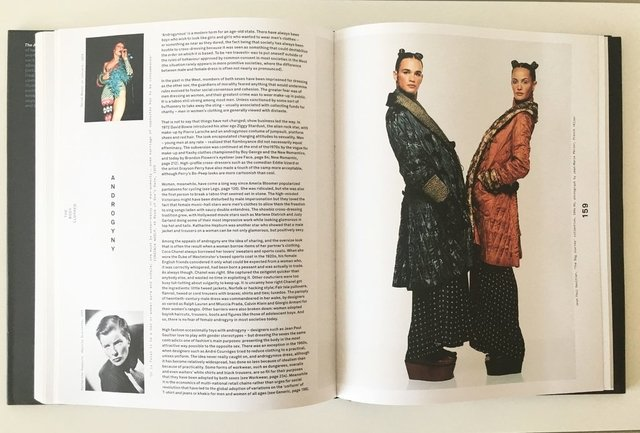 THE ANATOMY OF FASHION - Phaidon - Le Book Marque