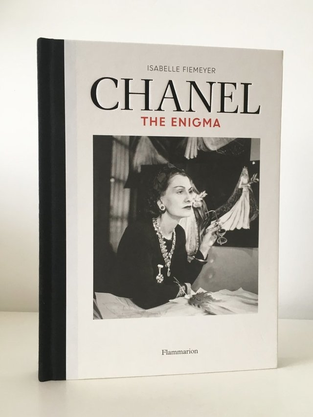 CHANEL: The Enigma - Flammarion