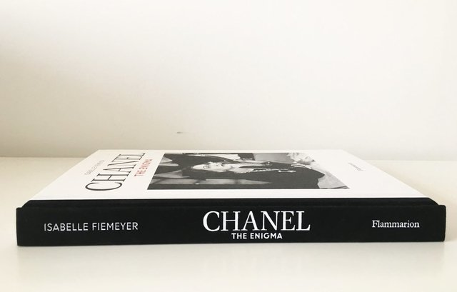 CHANEL: The Enigma - Flammarion - comprar online
