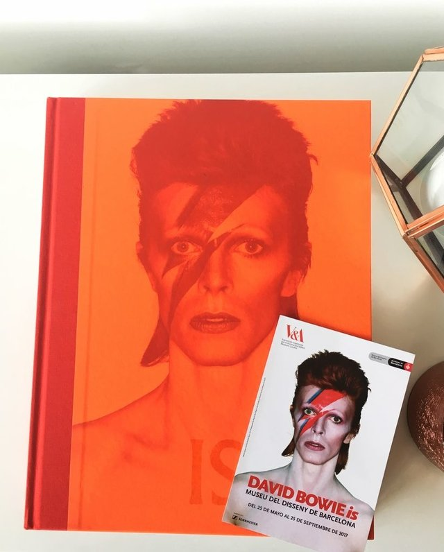 DAVID BOWIE - IS - V&A Museum Editions - comprar online