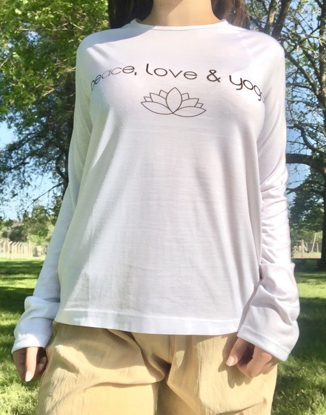 Remera Peace, Love & Yoga - comprar online