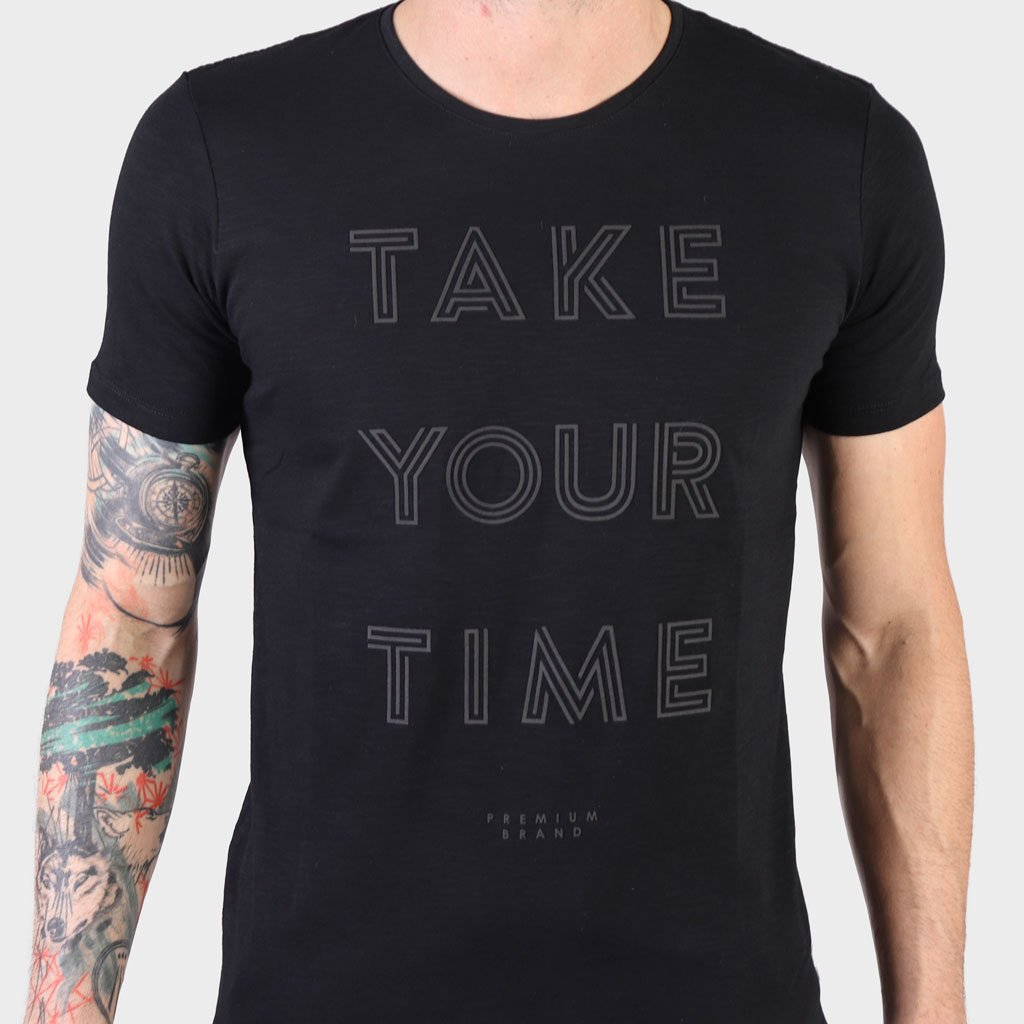 Remera Take Your Time Negro SS19