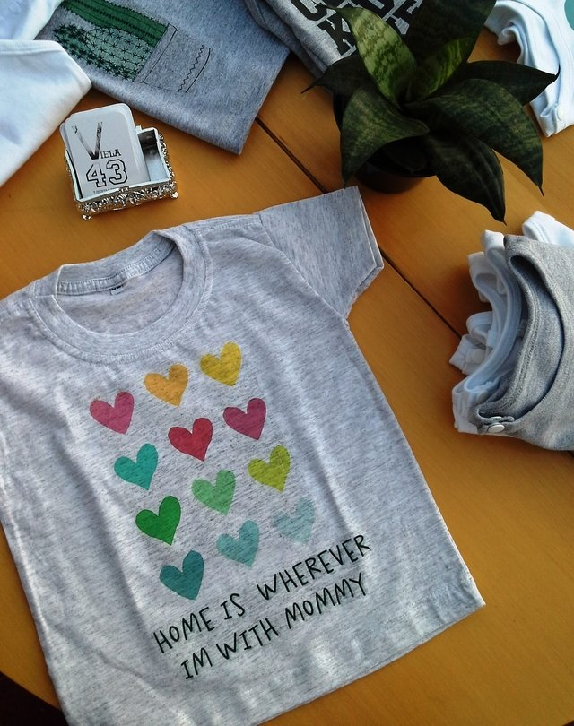 Camiseta Home is Wherever I'm With Mommy - comprar online