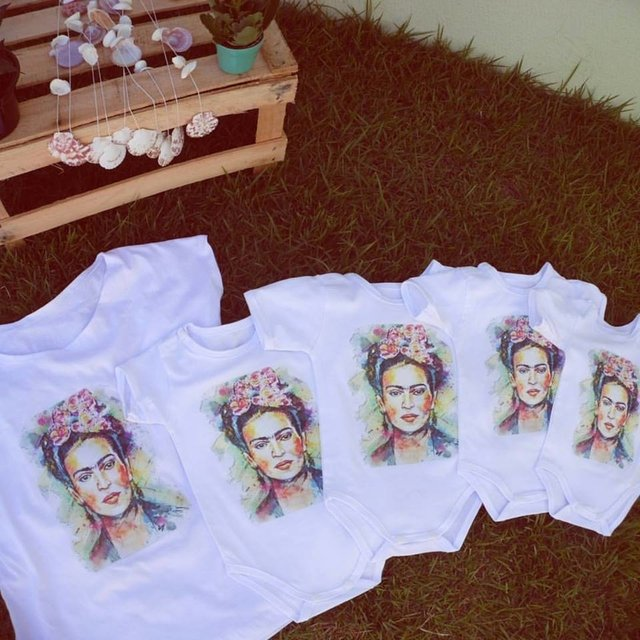 Camiseta Frida Kahlo na internet