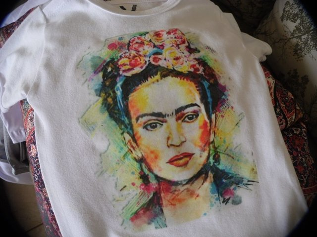 Body Bebê Frida Kahlo na internet