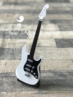 Mini Guitarra - Rock White Motion na internet