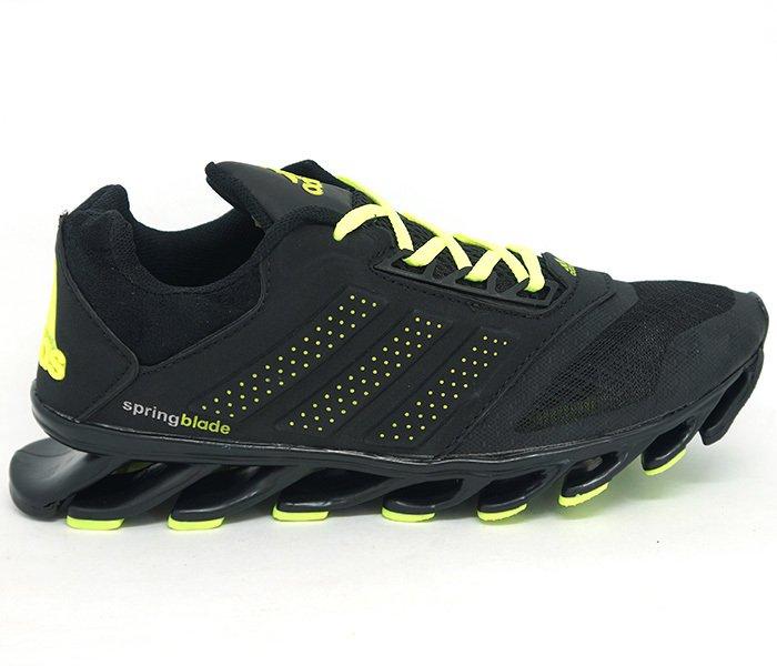 9dfe445f6b5 Tênis Adidas Springblade Drive Preto e Verde Limão