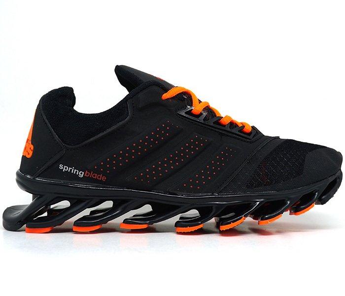 huge selection of a7d38 4e28d Tênis Adidas Springblade Drive Preto e Laranja