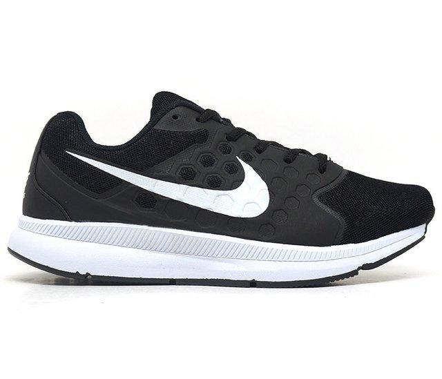 8d1af6e0e46 Tênis Nike Running Preto e Branco