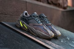 "Imagem do Tênis Adidas Yeezy Boost 700 Wave Runner ""Muave"" (Masculino)"