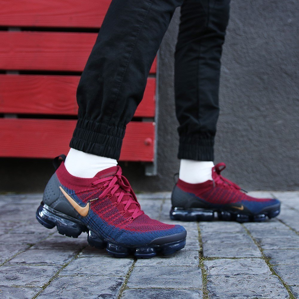 quite nice d8110 2adf5 Tênis Nike Air VaporMax Flyknit 2.0 Team Red Obsidian (Masculino)