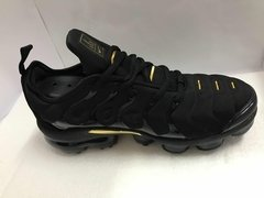 Imagem do Tênis Nike Air VaporMax Flyknit Plus Triple Black Gold (Masculino)