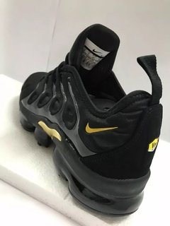 Tênis Nike Air VaporMax Flyknit Plus Triple Black Gold (Masculino) na internet
