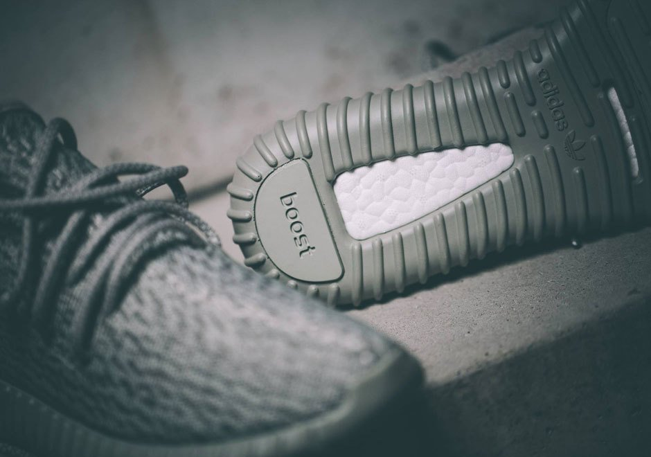 Tênis Adidas Yeezy Boost 350 Pirate Black (Masculino)
