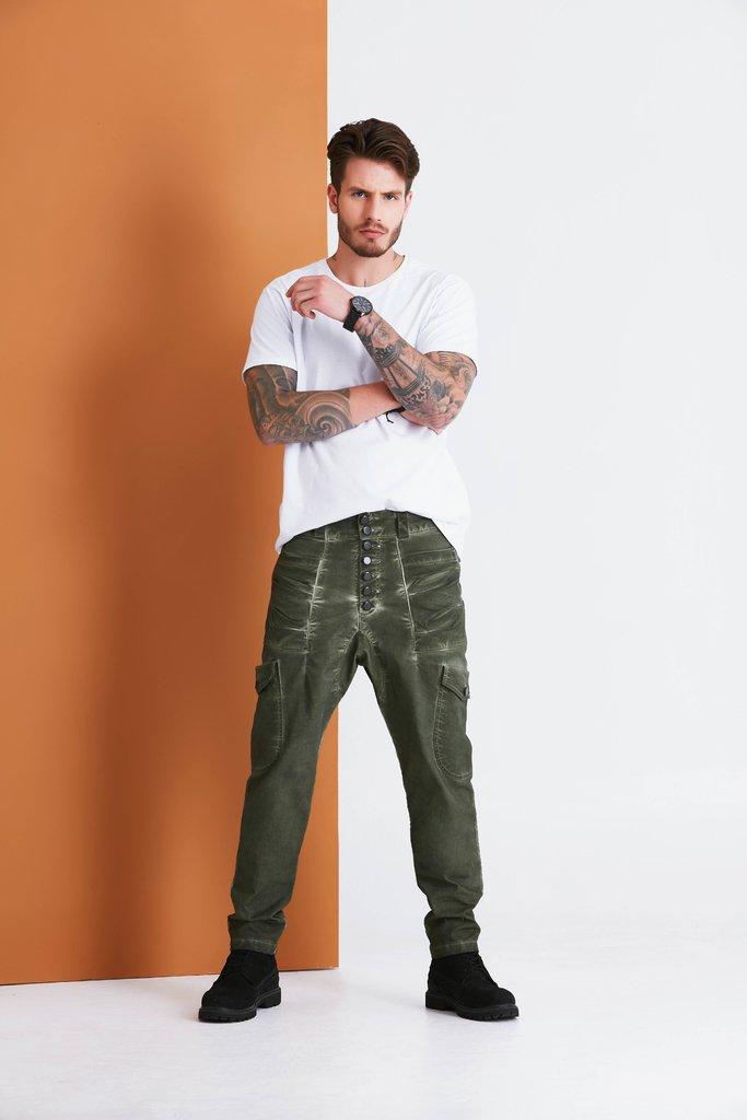 fa9835abc8 Calça Jeans Denuncia Saruel Verde Militar 101324077-10760