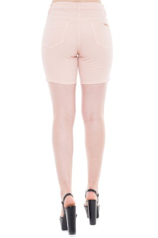 Shorts Jeans Denuncia Mid Rise Middle Rose na internet
