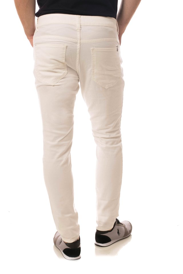 Calça Jeans Eventual Super Skinny Off White na internet