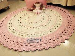 Tapete de crochê creme e rosa - Baby Camila