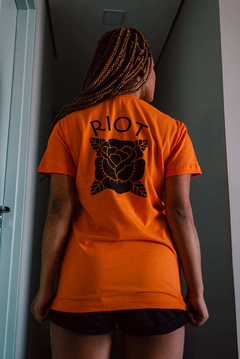 Camiseta Orange Vibes - Loja Riot