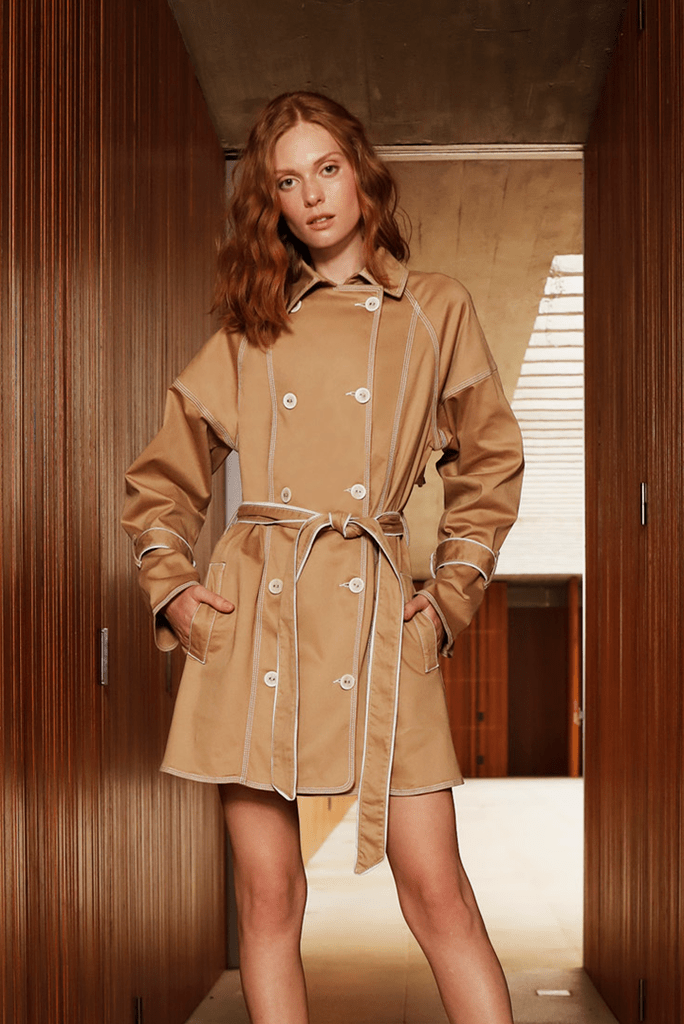 Trench Coat Sarja