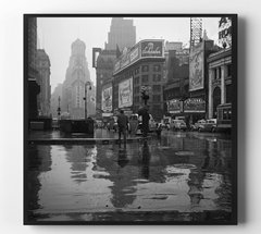 Times Square on a rainy day, 1943 Blanco y Negro / DECO - Henri's Gallery