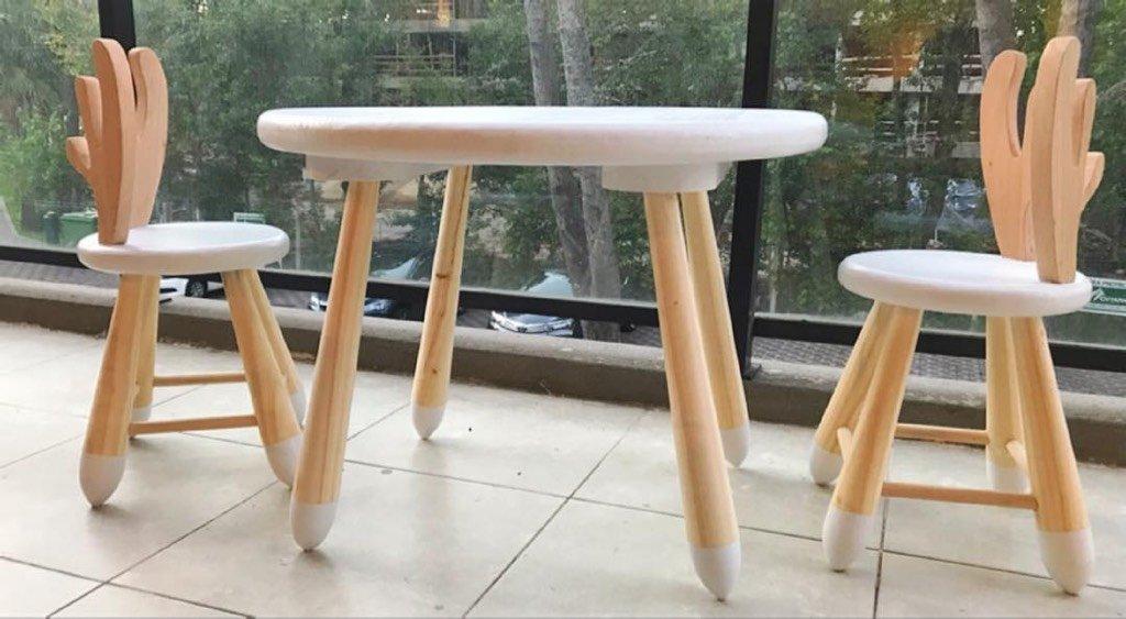 Juego de mesa y sillas reno