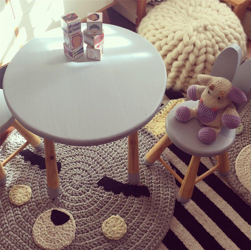Juego de sillas y mesa Rabbit