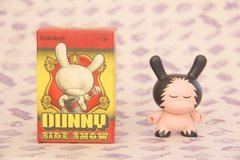 Dunny Sideshow by Jeremyville - tienda online