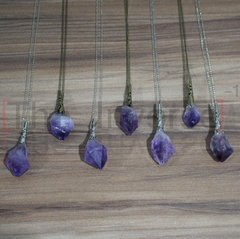 Colar Mysterious Amethyst na internet